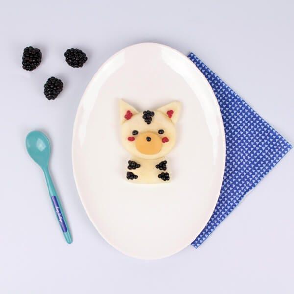 Merienda divertida con frutas en forma de gatito