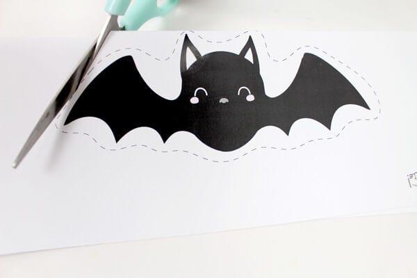 ¡Realiza fácilmente una tarjetas de invitación para Halloween!