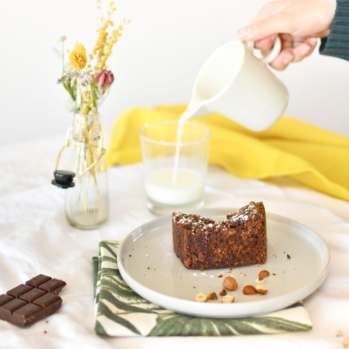 ¡Un bizcoho de chocolate y avellana que querréis degustar cada finde!