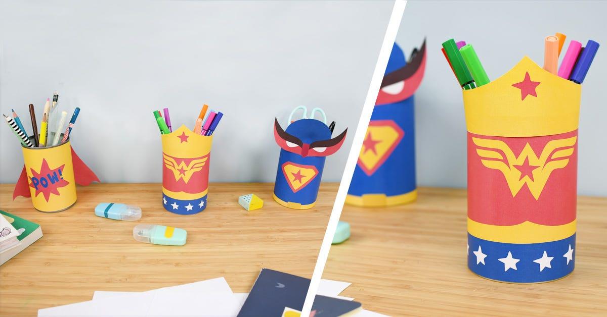 Realiza rápidamente unos botes para lápices sobre el tema de los superhéroes con unos frascos