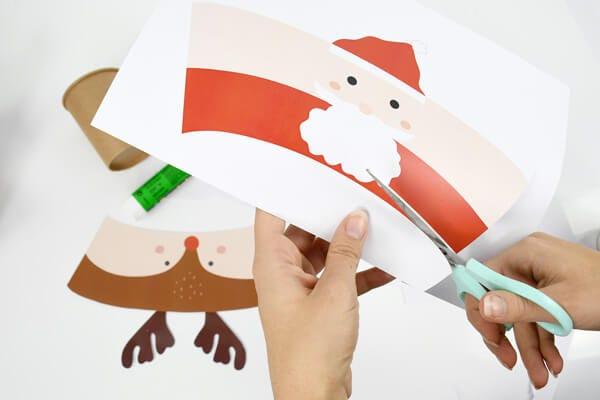 ¡Un taller perfecto para hacer trabajar en equipo a padres e hijos en la preparación de unos vasos perfectos para las comidas de Navidad!