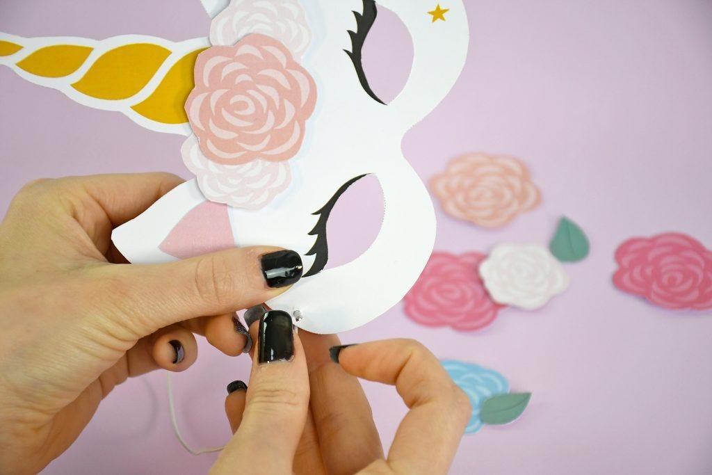 ¡Realiza esta bonita máscara en papel para ser el unicornio más bonito de carnaval!