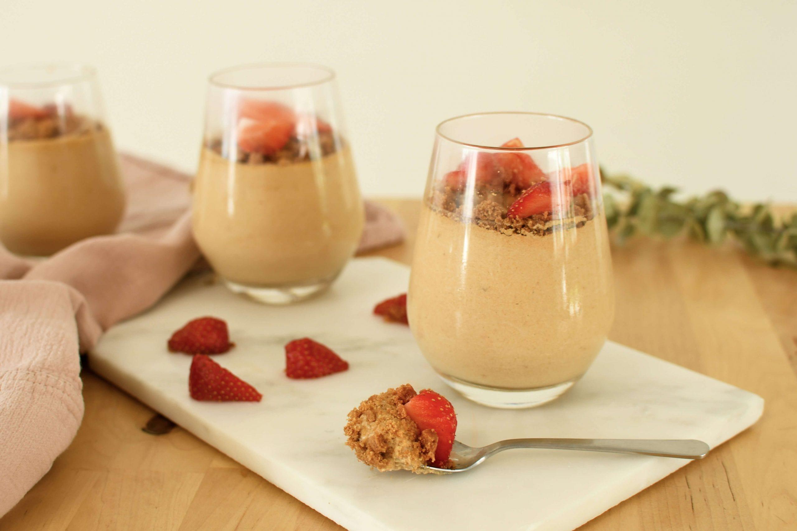 ¡Nos decantamos por nuestro cremoso mousse spéculoos y fresas!